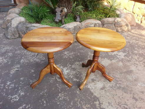 2 x Solid Oak Side Tables (Diameter 355/Height 435mm)
