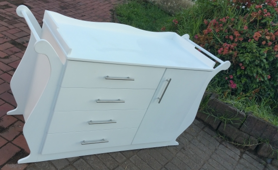 Furniture Depot Baby Cot and Compactum-R 5499,00 Sur 23