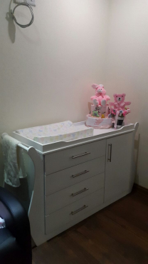 Furniture Depot Baby Cot and Compactum-R 4499,00 Sur 15