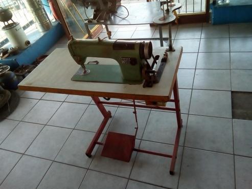 Consew Industrial Sewing Machine For Sale Junk Mail Magnificent Industrial Sewing Machine For Sale Gauteng