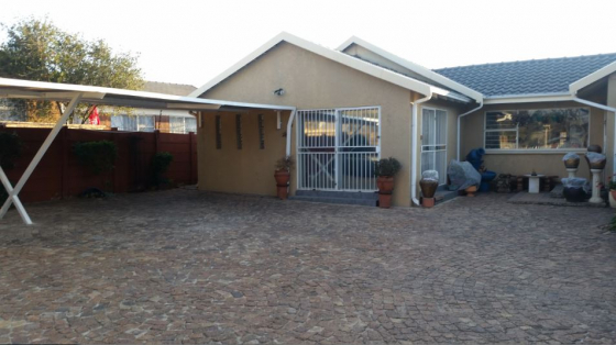 2 Bedroom 1 Bathroom unit available for rental