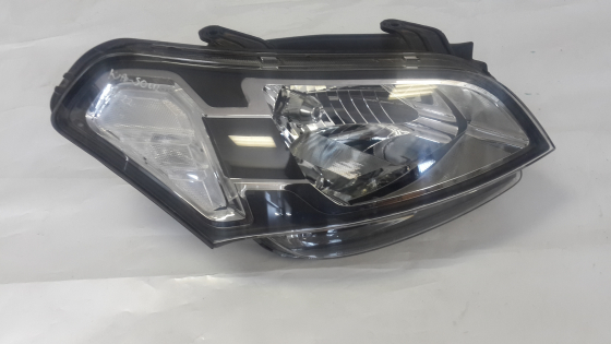 KIA SOUL HEADLAMP