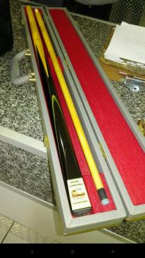 Antique Snooker Cue (Superpro)