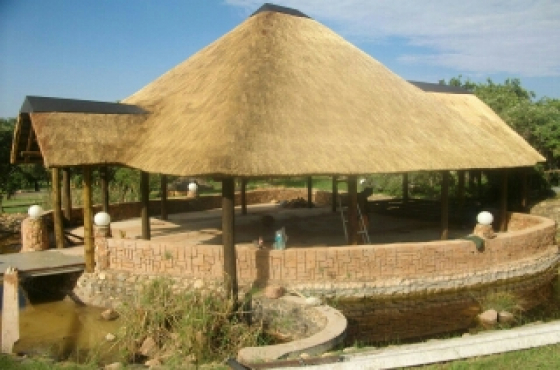 Thatching roof work