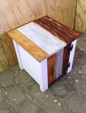 Night stand Cottage series 515 with door Weathered look