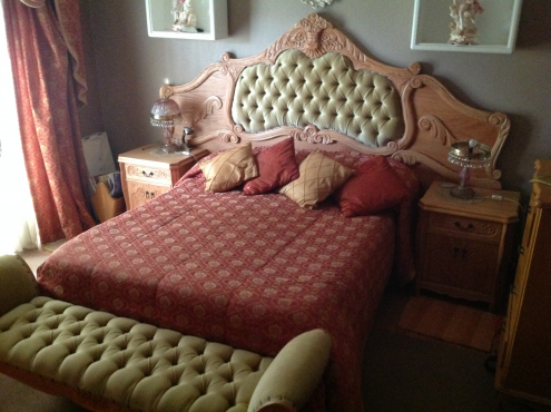 CLASSIC BEDROOM FURNITURE FOR SALE