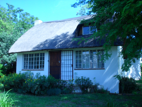 Thatch cottage 1 bed + loft in  Kyalami area