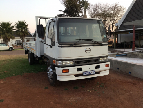 toyota 8 ton in trucks in south africa junk mail. Black Bedroom Furniture Sets. Home Design Ideas