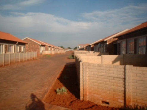 2bedroom Town house to rent  in orchards