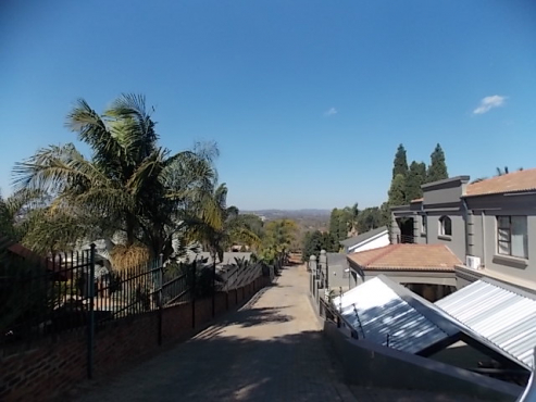 HOUSE TO LET IN WAVERLEY PRETORIA