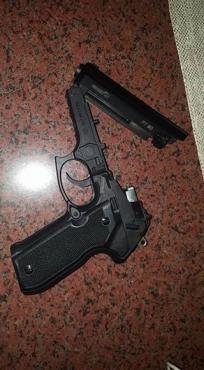 Gas pistol