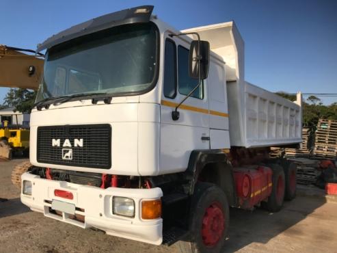 MAN 26.402 10 Cube Tipper Truck