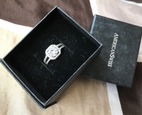 Beautiful sterling silver engagement ring