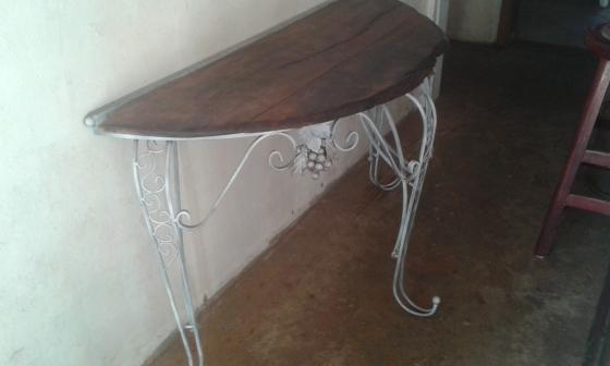 table ( halve round)