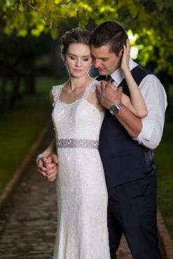 Selling my wedding dress . Size 6/8