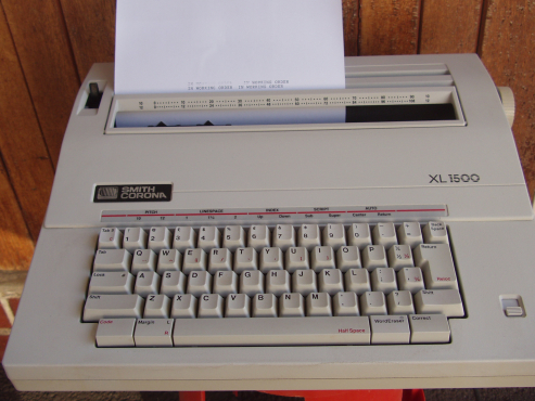 Electronic Typewriter - Smith Corona XL 1500 - in excellent working order