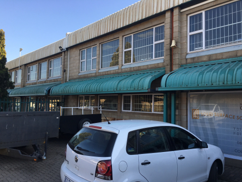 WAREHOUSE / FACTORY TO LET IN HENNOPS PARK, CENTURION WITH MAIN ROAD VISSIBILITY!!!