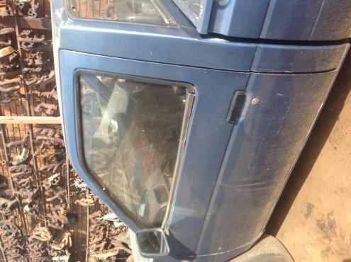 Stripping Nissan Hardbody 1995 for Spares