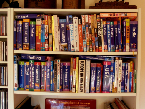 85 TRAVEL GUIDES! Travel library for sale, Lonely Planet etc