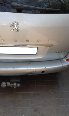 Tow Bar for Peugeot 807 MPV. With all cables and plugs.
