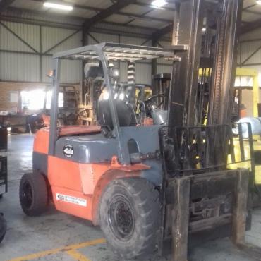 4.5 ton Heli Forklift