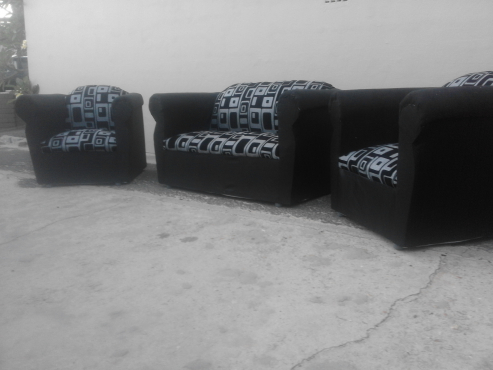 urgent sale! new 3 piece lounge suite