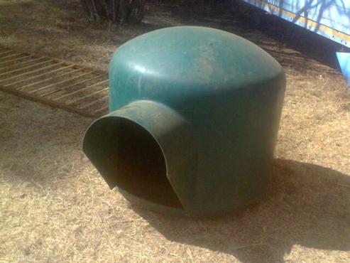 Igloo kennel medium size