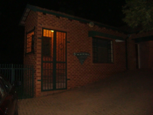 Neat house with flatlet in Highveld - R14 900 - 1 April 2019
