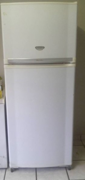 Sharp fridge/freezer