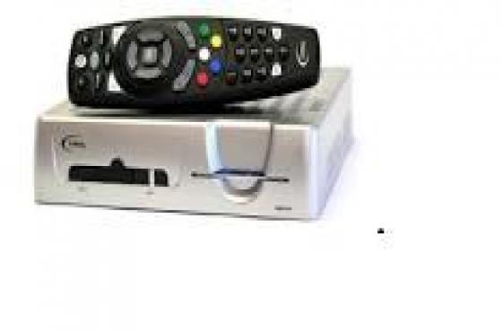 Explora switch. DSTV Dubble/Twin Lnb. Single Decoder.