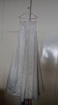Wedding dress/trou rok Off white
