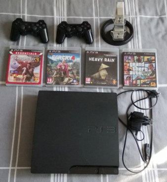 Playstation 3 Console - 320GB - 2x Wireless Controllers + 4 Games (GTA V)