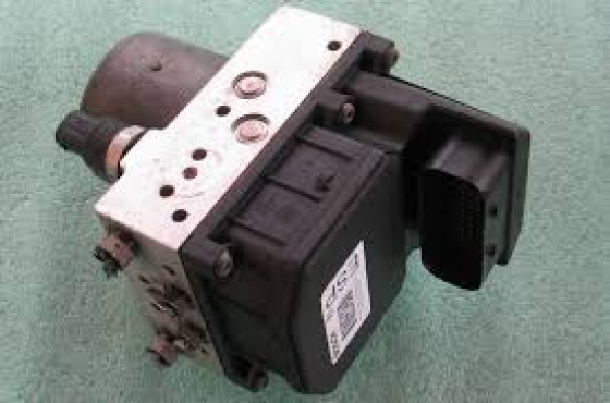 ALFA 147 AND 156 ABS COMPLETE  PUMP FOR SALE  contact 065 952 8789