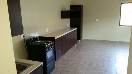 Bruma near Eastgate massive 2bedroomed apartments to let for R7500