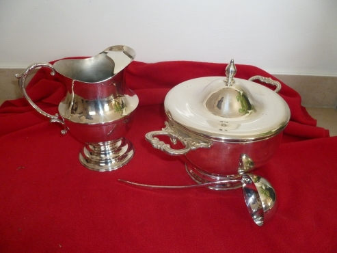 Large variety of Good quality silver-plated items (flatware and hollow ware)