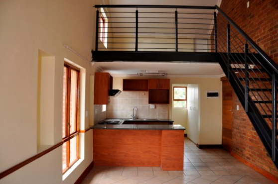 Carlswald Hilltop Lofts 11bedroomed loft unit to let for R4800 pre-paid electricity