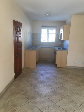 2 bedroom townhouse. 2 bedroom townhouse for rent in country view estate, andeon, pretoria west