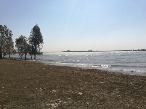Stunning 31,7444 H Stand - Water Frontage of approx 400m - Developers Dream !!! for sale  Midrand