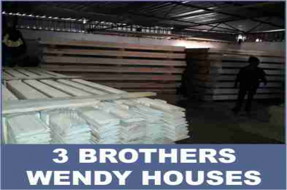 All sorts of wooden products logs/log wood, pine wood, knotty pine, decking planks