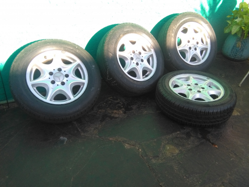 Mercedes Benz = 4x Rims with Good Year Tyres 195/65R15