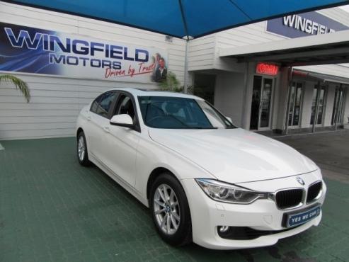 2012 BMW 320i A/T (F30) 99300km's