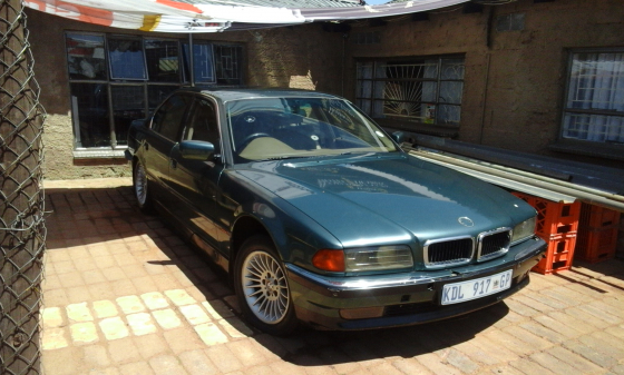 740 i bmw 97 model e 38  stripping for spares / running motor engine /seats dash etc
