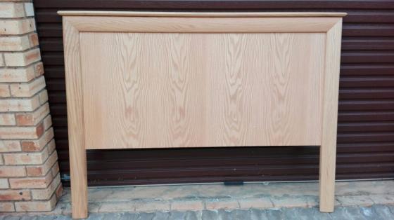 wooden head board