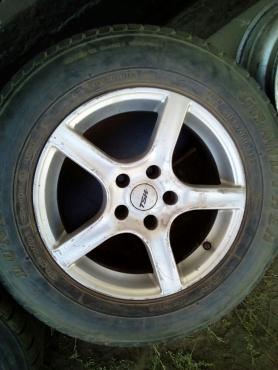 Mercedes Benz Vito Rims with Tyres