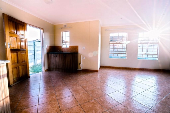 Turfontein 4bedrooms, bathroom, kitchen, lounge, family home to let for R6950 SECURE PARKING