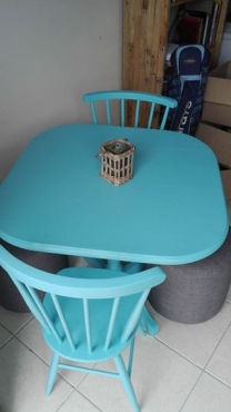 Blue table & 2 chairs