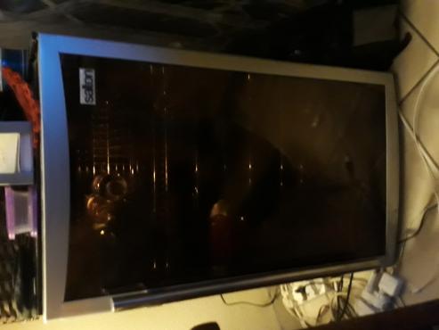 Salton glass door wine chiller/fridge