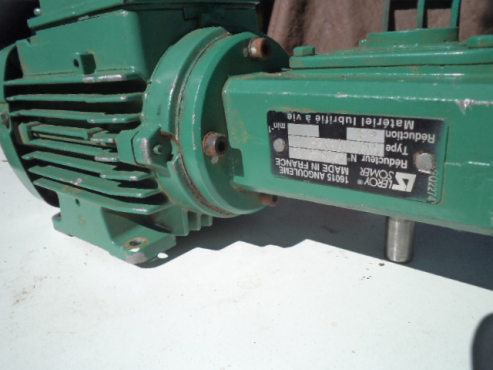 0.09 kw 380v motor with off set gearbox