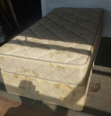 SINGLE BED, 6 MONTHS OLD , STILL CLEAN LIKE NEW, HARDLY USED.