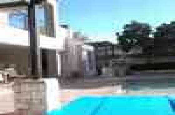 Beautiful apartment to share in Secure -Bougain Villas Estate_Century